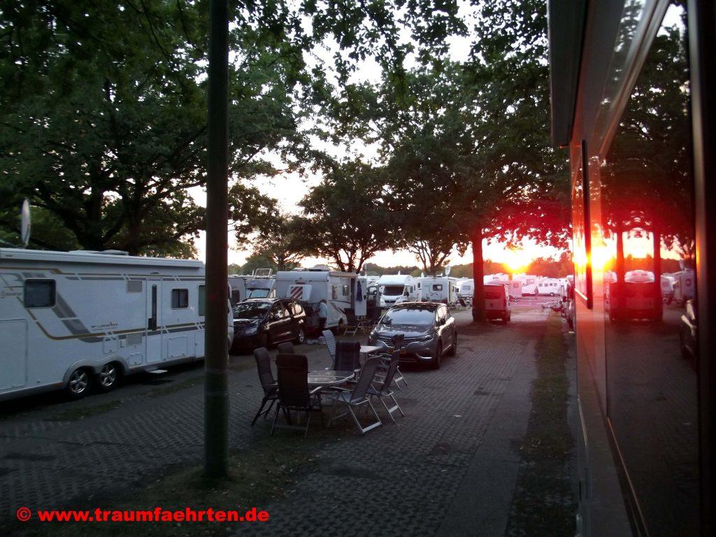 Abendstimmung Caravan Center P1