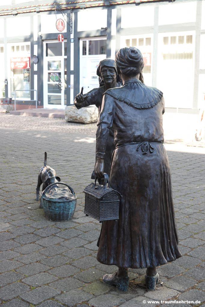 Rotenburg an der Fulda Tratschweiber mit Hund